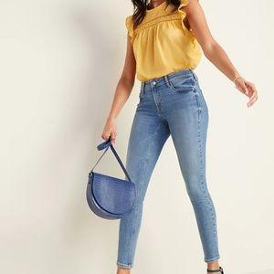 Mid-Rise Rockstar Super Skinny Jeans Size 10 NWT